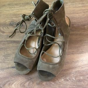 Steve Madden block heel lace-up shoes size 7